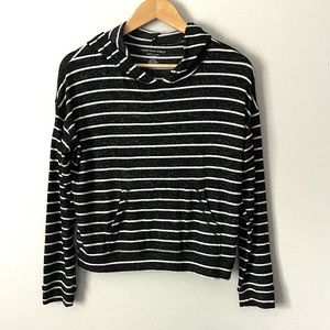 American Eagle soft & sexy plush hooded crop small